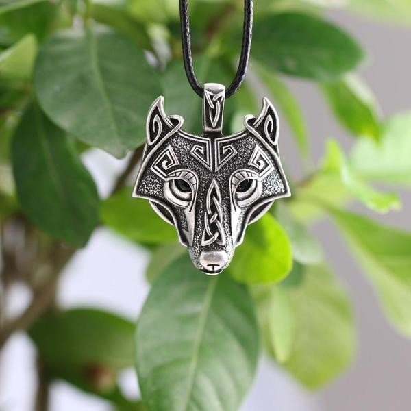 Ancien Norse Wolf Head Collier